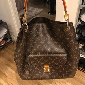 used Louis Vuitton monogram hobo with two straps